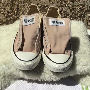 Converse unisex tan/cream colored low tops